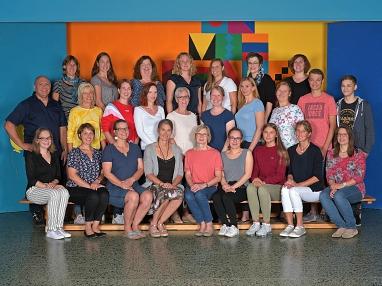 Foto Kollegium und MitarbeiterInnen©Gretel-Bergmann-Grundschule Eystrup