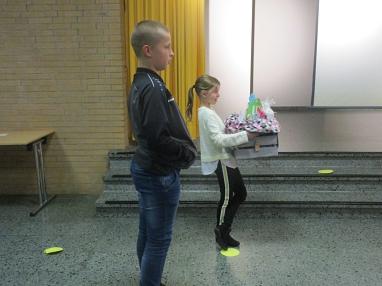 Geschenk für Fr. Kraft.JPG©Gretel-Bergmann-Grundschule Eystrup