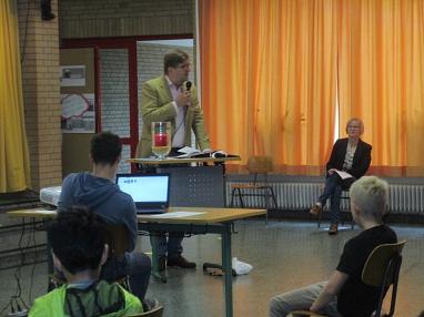 Segen Pastor Jarecki.JPG©Gretel-Bergmann-Grundschule Eystrup